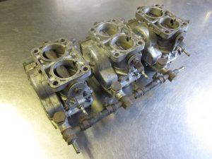 רסטורציה / שיפוץ / תהליך שירות עבור טרירי פרארי DINO 246 וובר 40 DCNF 13 Carburettors